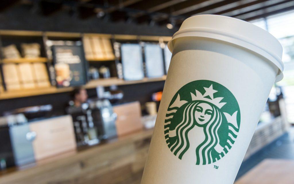 Elf Starbucksklanten die te ver gingen bij het bestellen van een koffie