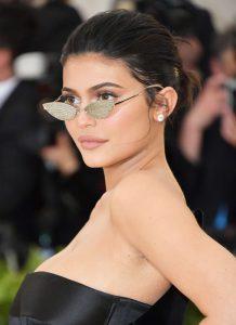 Toedeloe lipfillers: Kylie Jenner gaat 'au naturel'