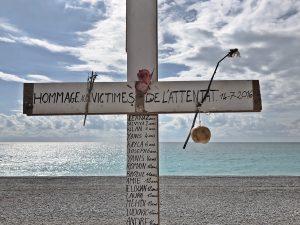 Met deze optimistische fotoserie herdenkt fotograaf Annet de aanslag in Nice
