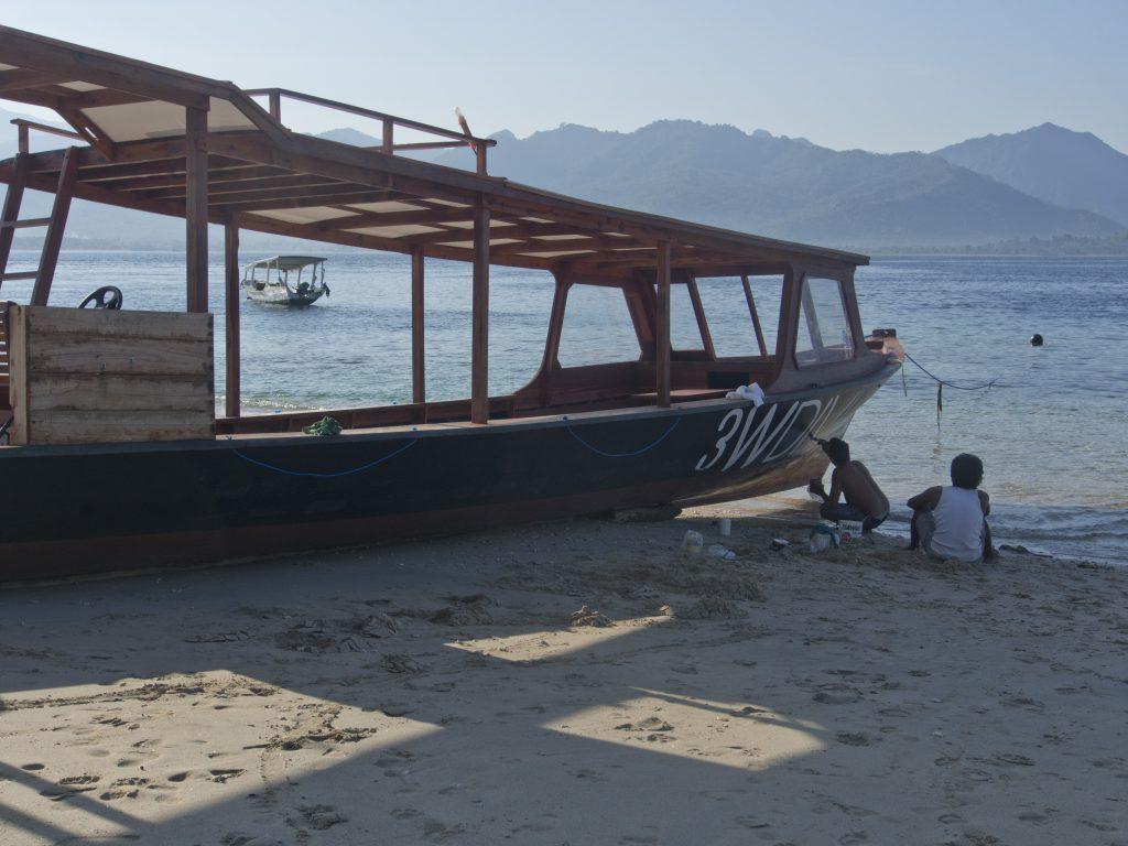 Tsunamiwaarschuwing uitgeroepen na heftige aardbeving op Lombok: 'We konden amper lopen'