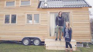 Shirly en Roy wonen in een 'tiny house' en vertellen hoe dát is