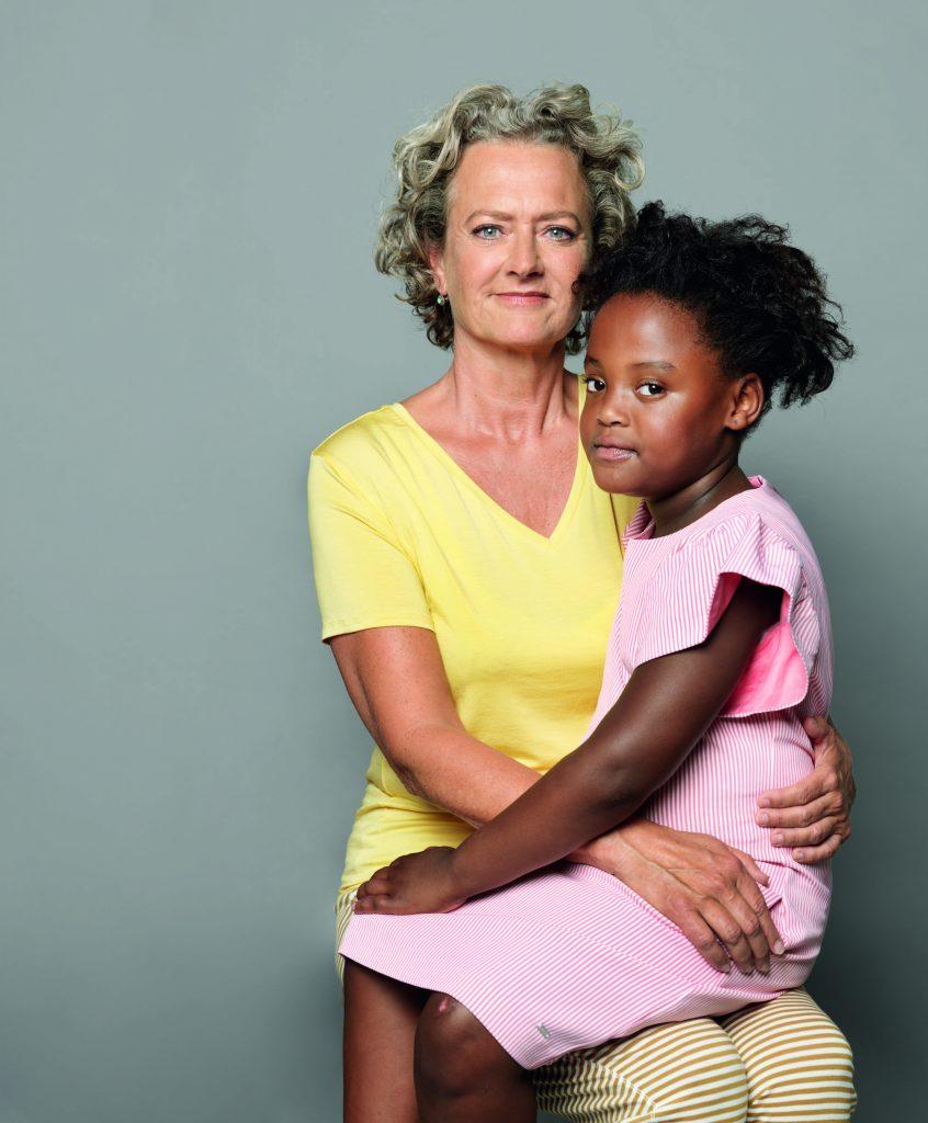 Mayke (54) is pleegmoeder: 'Ik kreeg haar al als baby van twee maanden'