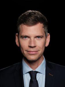 Als kind besprak hij hondenpoep in zijn 'eigen radioshow', morgen presenteert Jeroen Wollaars 'Nieuwsuur'