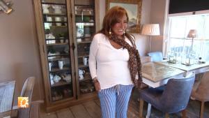 Patty Brard (-18 kilo) schrikt van de tunieken in haar kast: 'Gróót zijn die dingen'