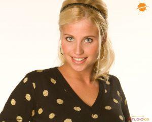 Hoe is het nu met de blonde Amber uit de spannende jeugdserie 'Het Huis Anubis'?