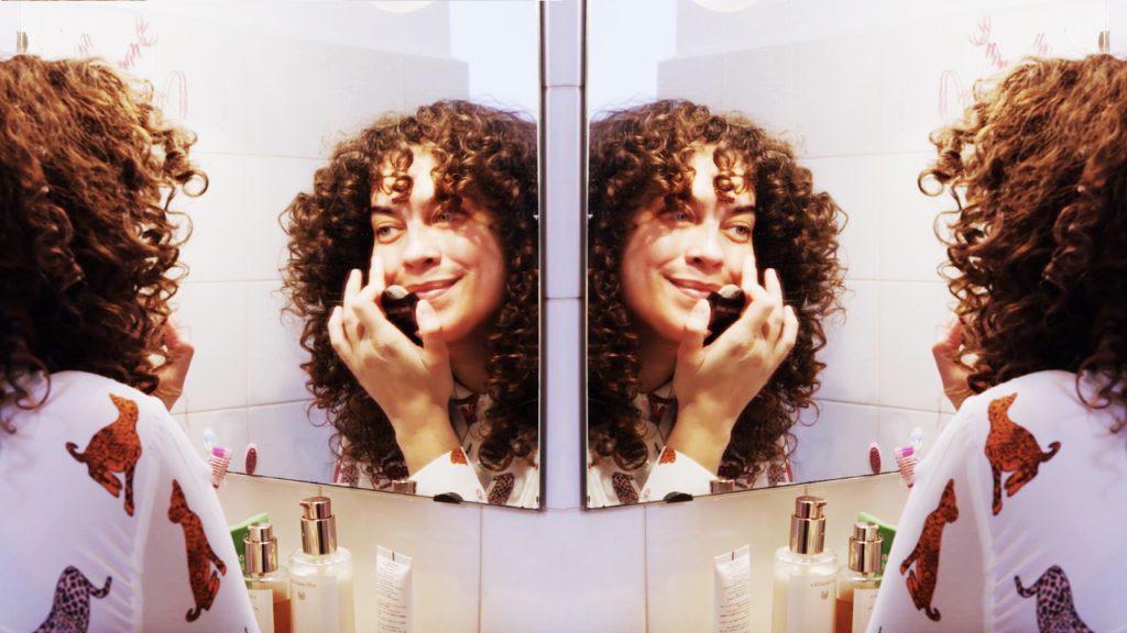 Plussize-model Mayra: 'Ik kan eindelijk zeggen dat ik mezelf mooi vind.'