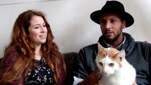 Afl. 7 Acteur Tarikh Janssen is een goede vriend van Meneertje. Samen spreken zij kattentaal
