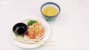 Een lekker bordje tonijntartaar: bevat slechts 100 calorieën en is zo klaar