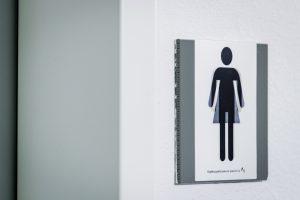 Vanaf volgend jaar zijn de ov-chipkaart en het stembiljet 'genderneutraal'