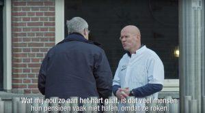 Confronterende video: artsen gaan de straat op en spreken rokers aan