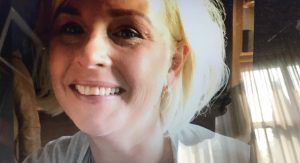 Renate moest opnieuw leren lopen na besmetting meningokokbacterie: 'Ik heb mazzel gehad'