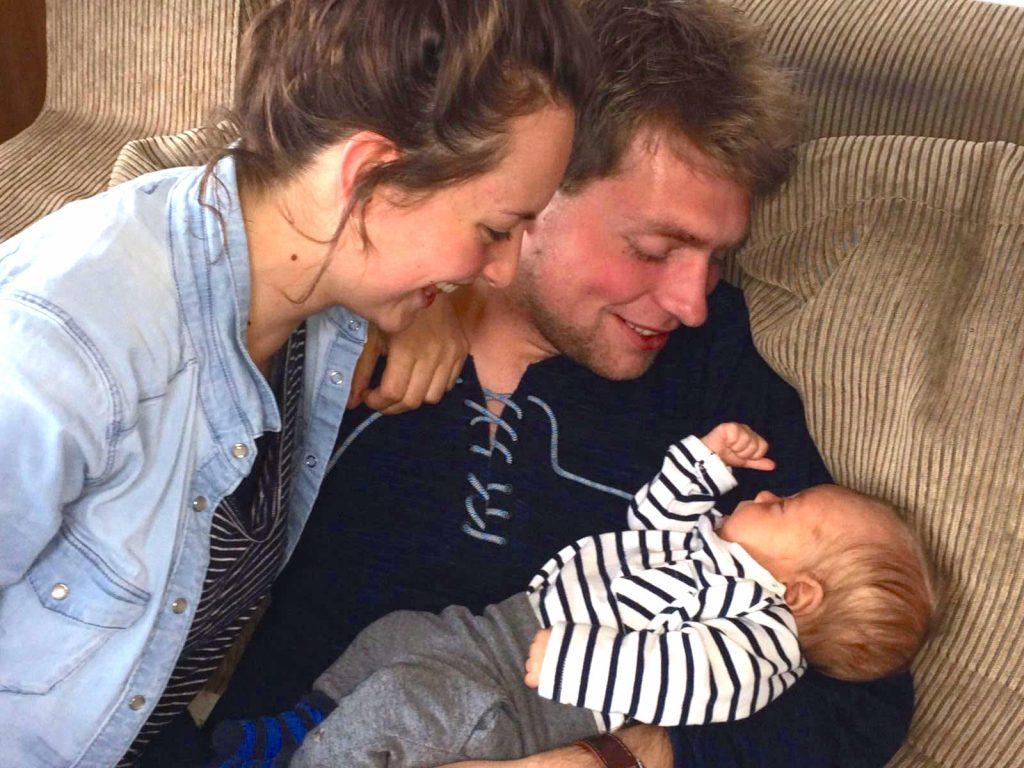 Tessa wist pas bij de bevalling dat ze zwanger was: 'Ik voelde ineens een hoofdje tussen mijn benen'