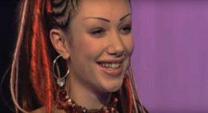 Hoe is het nu met Dewi (en haar dreads), die meedeed aan het eerste seizoen van 'Idols'?