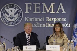 Melania Trump spreekt zich fel uit tegen immigratiebeleid van man Donald