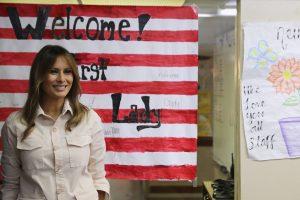 Melania Trump bezoekt onaangekondigd kinderen aan de grens bij Mexico