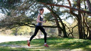 Van rekken en strekken tot aangemeten schoenen: 5 x feiten en fabels over hardlopen