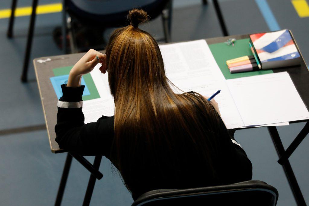 Emoties lopen hoog op nadat examens niet geldig zijn: 'Ik heb me rode ogen gehuild'
