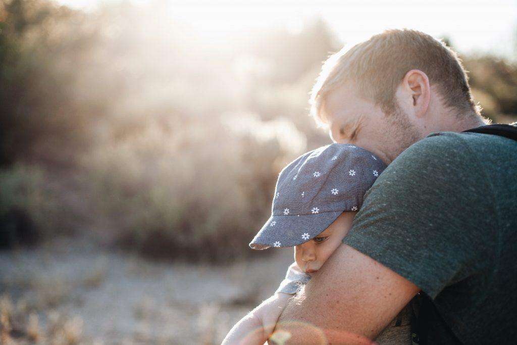 Psycholoog Universiteit Utrecht: 'Geef vaders ook maanden verlof bij geboorte van kind'