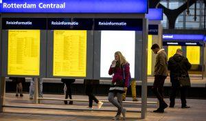 Centraal Station in Rotterdam weer vrijgegeven: niks gevaarlijks in verdachte tas