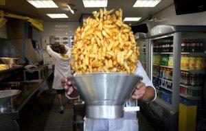 Dit is hét antwoord op de vraag: is het friet of patat?
