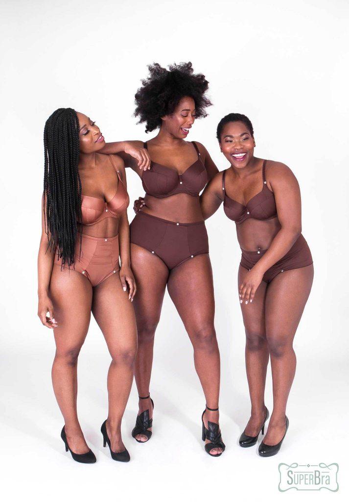 Floor (36) verkoopt in haar lingeriewinkel als eerste ter wereld donkere huidskleurige beha's