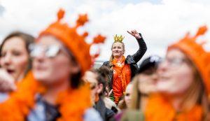 Hang de (oranje) vlag maar uit: grote kans op een droge Koningsdag