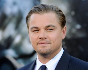 Leonardio DiCaprio kaarssculptuur Parijs