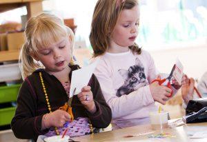 Geen zelfgemaakte tekening: basisschool in Canada doet niet aan vader- en moederdag