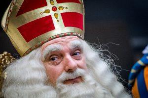 Toegangspoortjes intocht Sinterklaas schrikken demonstranten niet af