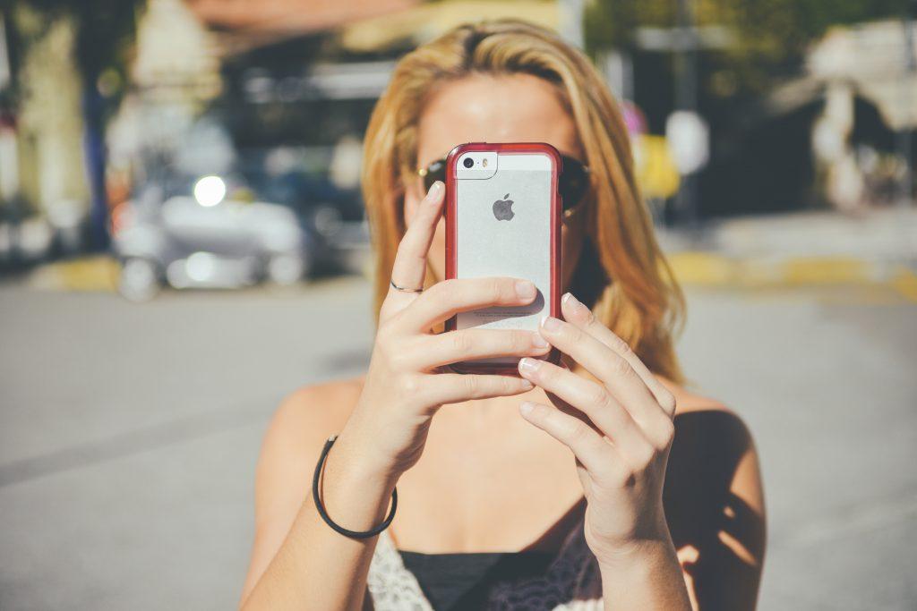 Plastisch chirurg: we willen niet langer op beroemdheden lijken, maar op Snapchat-filter