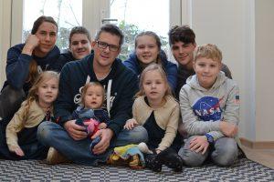 Annemarie heeft zeven kinderen, maar vindt een tweeling het zwaarst: 'Bijna onmenselijk'
