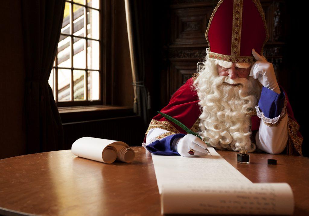 Van de lolbroek tot de voor lul-zetter: dit soort Sinterklaas-dichters kennen we allemaal