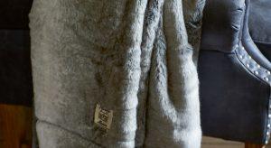 Opwarmen geblazen: maak kans op dit kleed met bijpassend kussen van Rivièra Maison