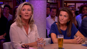 Saskia en Marieke Noort openhartig over verslaving bij 'Late Night'