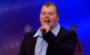 Gepeste Nick Nicolai (18) slaat terug in 'Holland's Got Talent'