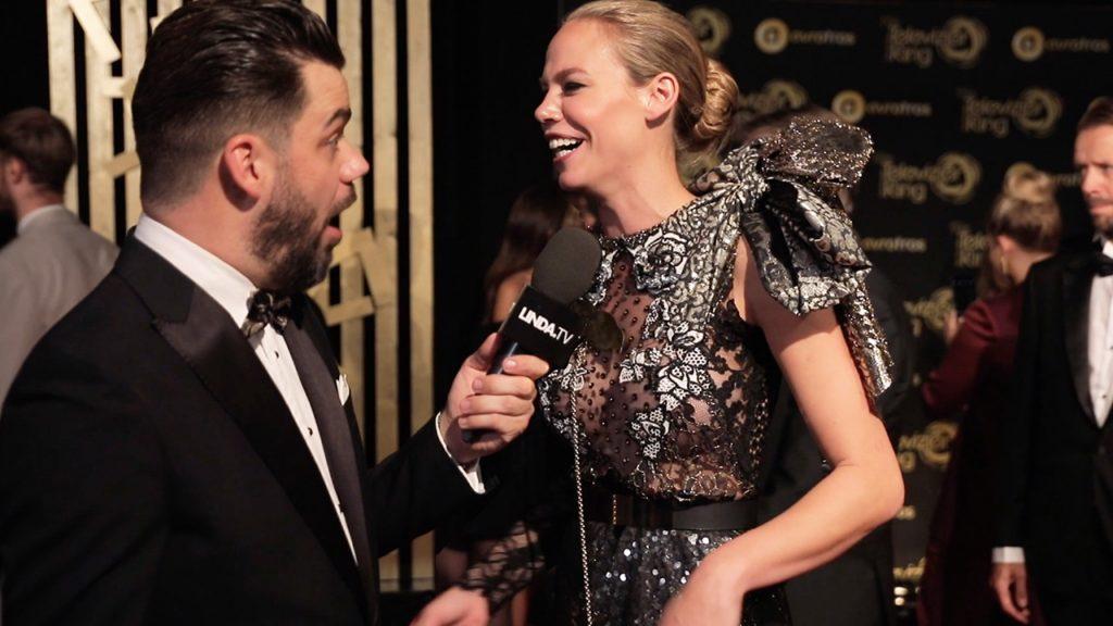 Janice ontdekt de (gênante) verhalen achter de Televizier Gala-jurken