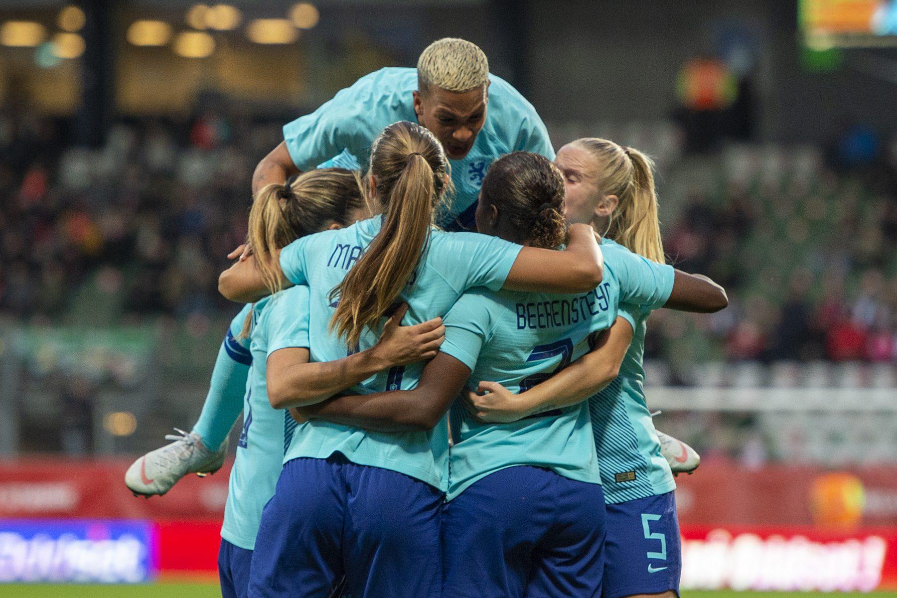 WK-ticket bíjna binnen: Oranje Leeuwinnen bereiken finale play-offs