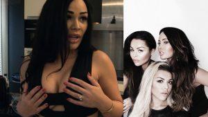 Afl. 23 Hoe minder stof hoe beter: Amanda presenteert haar ieniemienie bikinilijn