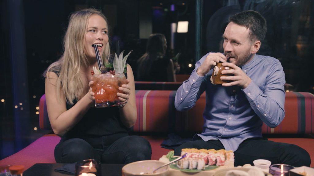 Ilse en de Britse Mark verorberen zalige cocktails: 'Toen werd 't erg gezellig.'