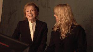 Linda de Mol stelt haar prangende televisievragen aan talkshowkoningin Sonja Barend
