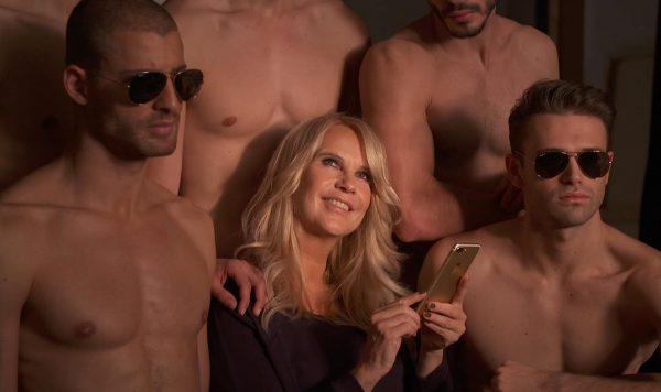 Linda de Mol over tinderende mannen: 'Ik zou ze weleens advies willen geven over hun foto's'