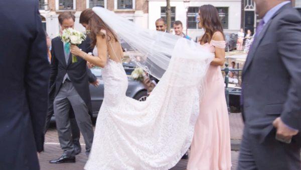 Afl. 11 Logistiek dingetje: bruid, bruidegom en 200 gasten vervoeren met een boot