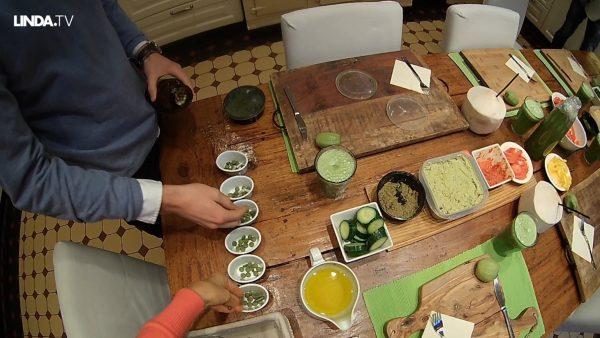 Zonnebloem-sprouts, kokoswater & groene pillen: wiens ontbijt zien we hier?