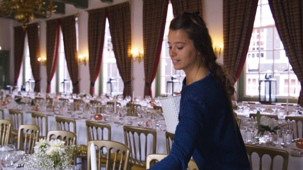 Afl. 7 Lotte: 'De tafelindeling is op dit moment de grootste uitdaging'
