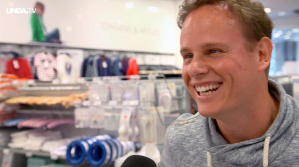 Blije vader Otto: 'Babykleertjes shoppen, ik vind dat ook hartstikke leuk.'