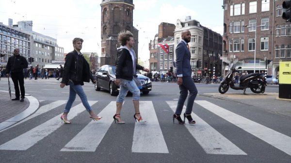 Mannen op hakken: 'Ik heb pijn aan m'n poten als een malle.'