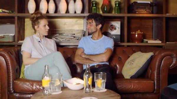 De Griekse Anna gaat op blind date met de Iraans-Nederlandse Behzad