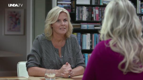 Afl. 1 Irene: 'De borsten van Kim Holland vul ik op met kipfilets.'