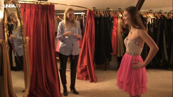 Fabiënne zoekt een sweet sixteen jurk: 'Niet te kort, alsjeblieft.'