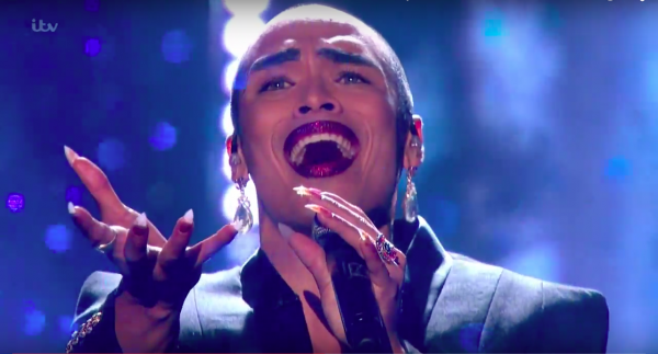 Prachtig! X-Factor Sean Miley Moore doet David Bowie's Is There Life on Mars